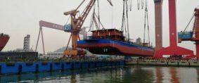 Buque eléctrico de carga chino hizo viaje inaugural