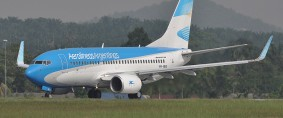 Aerolíneas Argentinas y Boeing acordaron un pedido de 20 B-737/800