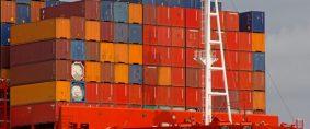 La capacidad fuera de control en las líneas marítimas