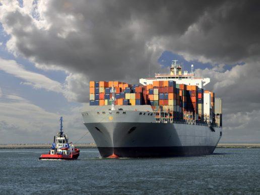 Transporte marítimo de contenedores con un difícil panorama