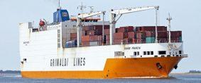 Hombres armados atacan buque en Santos