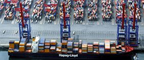 Estibaje de contenedores a bordo de un buque