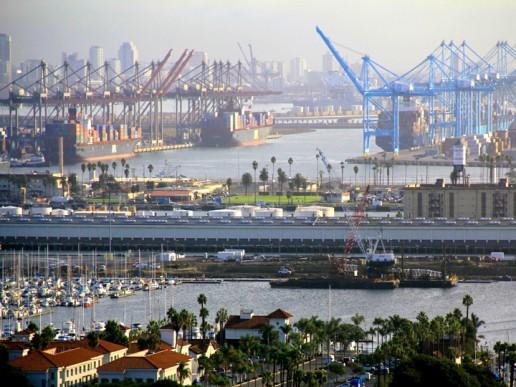 Guerra comercial EE.UU.-China provocó más comercio