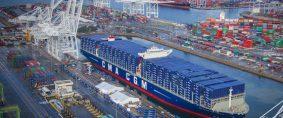 CMA CGM Mega Orden de Mega buques a China
