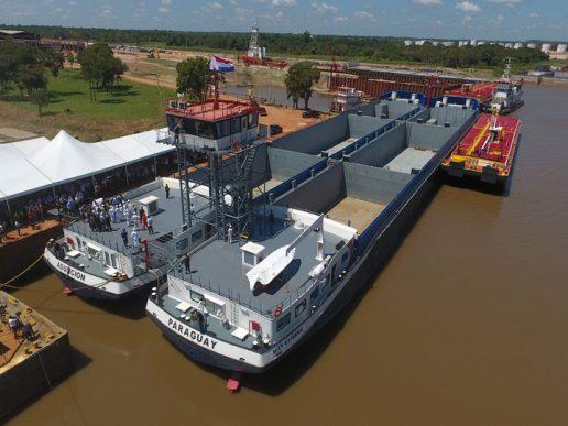 El mayor buque de la hidrovía opera a capacidad máxima