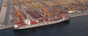 Grecia considera acelerar la venta del puerto de El Pireo
