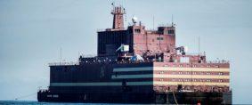 Central nuclear flotante rusa llega al Ártico