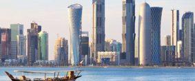 Qatar, navieras suspenden servicios