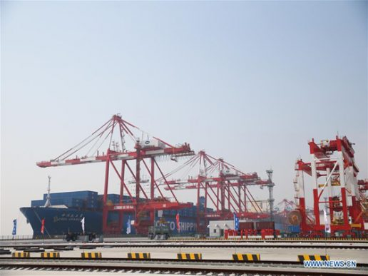 La mayor terminal de contenedores automatizada en Shanghai
