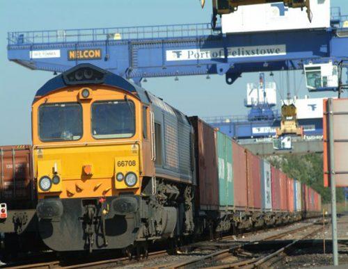 Felixstowe manejó 1 millón de Teus por ferrocarril
