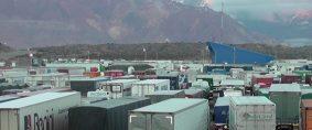 Cruzar a Chile: Mendoza propone regular el transporte de cargas