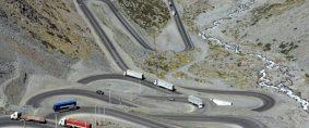 Camioneros de Mendoza analizan mudarse a Chile