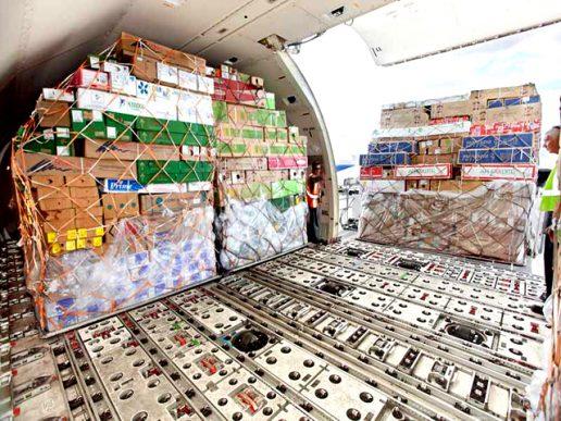 Transporte aéreo de carga sube ligeramente en abril