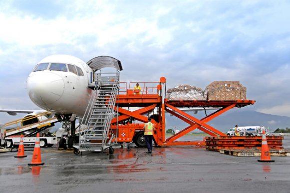 La demanda de carga aérea mundial continúa débil