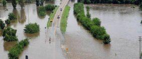 Rutas inundadas en varias provincias