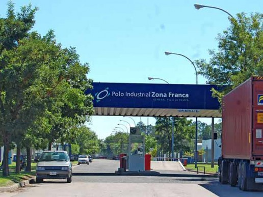 Gobierno analiza cambios en Ley de Zonas Francas