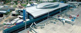 Bolsonaro confirma privatización de 12 aeropuertos