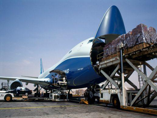 La carga aérea mundial continuó en alza en mayo