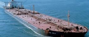 El bajo crecimiento mundial continúa amenazando al transporte marítimo