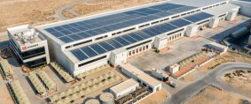 Centro logístico a energía solar de DB Schenker