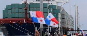 Nuevo Canal inaugurado por buque de Cosco