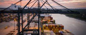 Mega crisis del transporte de contenedores