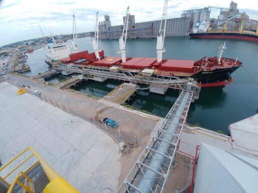 Embarque inaugural en la nueva terminal de Quequén